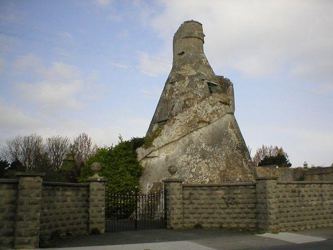794px-Bottle_Tower_Rathfarnham